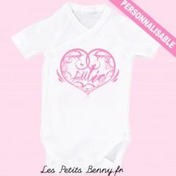 Body bébé personnalisé avec prenom calligraphie en rose